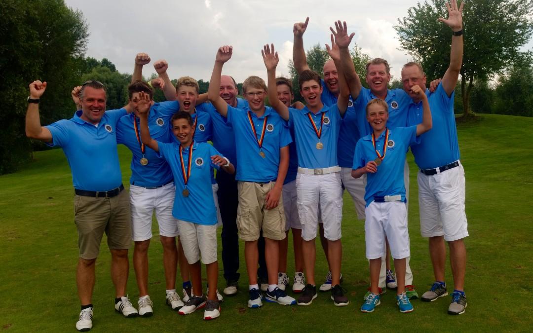 AK14 Jungen gewinnen Goldmedaille